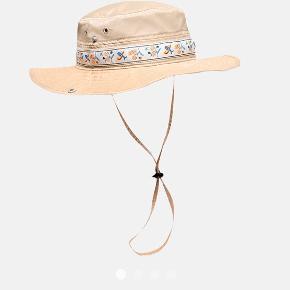 Fedeste Wood Wood hat. Stortset ubrugt, da jeg ikke helt kan få den til at virke for mig. 🌸🌸