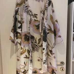 Crizpy kimono
