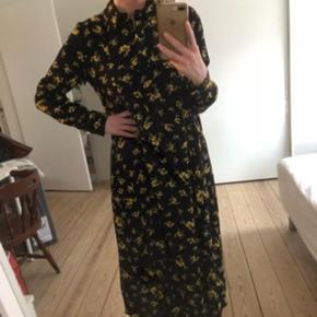 Ganni kjole  Brugt få gange  Størrelse 38/M (36/S kan også passe)