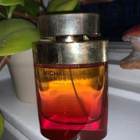 Michael kors wonderlust sensual essence parfume på 100 ml  Kun brugt 1-3 sprøjt