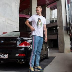 Sælger disse fede bukser i størrelse 34/34 men fitter som 32/32  De er i rigtig god stand.