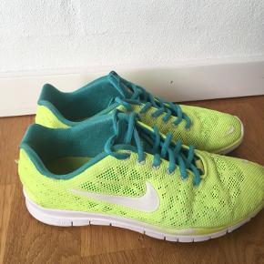 Nike free trainers. I rigtig god stand, dog med få tegn på slid. Nyvaskede.