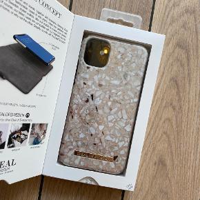 ❌Covers til iPhone 11 ❌ Greige Ter Azzo 150,-  Wild Leopard 150,-  Saffiano 250,-   Skriv en privat ved køb af ønsket cover, så opretter jeg en handel med det køber du ønsker at købe.