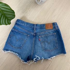 Levi's shorts 501  Str. W29  Fede detaljer