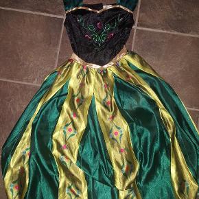 Rigtig flot og velholdte Disney kjole fra FROST, Anna, festkjole. fra ikke ryger hjem
