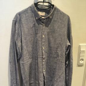 Skjorte fra Knowledge Cotton Apparel. Kun brugt 2-3 gange