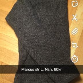 Marcus trøje str Large   Se gerne de andre annoncer med herretøj. Vi kan altid finde en god samlet pris, hvis du er interesseret i mere :-)