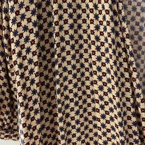 Kimono fra American Vintage som også kan bruges som kjole. Brugt en gang i et par timer