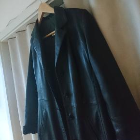 Lækker ægte læder frakke fra Goldstein 😊Brugt meget lidt og er i rigtig fin stand