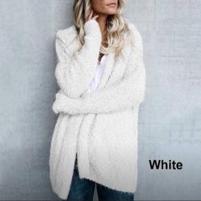 Plus ( uægte ) blød hvid cardigan