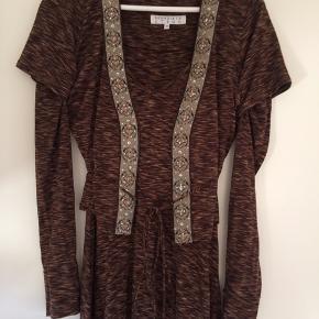 Flot silke kjole kan bruges med og uden overdel