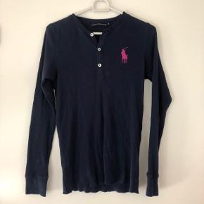 Fin trøje fra Ralph Lauren. Skriv endelig for flere billeder!