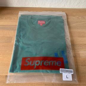 Sælger denne fede langærmede t-shirt fra Supreme.   Kommer med Original emballage.