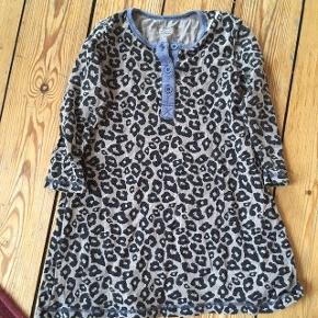 Milk kjole str 92 -fast pris -køb 4 annoncer og den billigste er gratis - kan afhentes på Mimersgade 111 - sender gerne hvis du betaler Porto - mødes ikke andre steder - bytter ikke