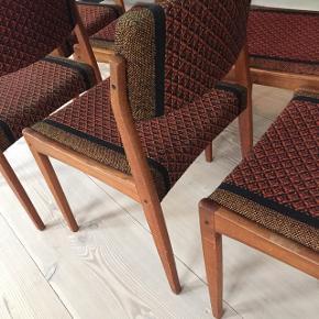 H.w.klein spisebordsstole i teak, produceret hos Bramin, med brugsspor, kan blive ekstra flotte med sort skai, pris pr stk - fast pris