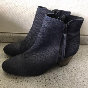 Shoe/design