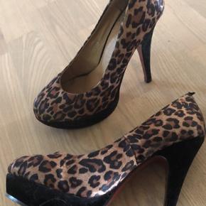 Leopard stiletter :)