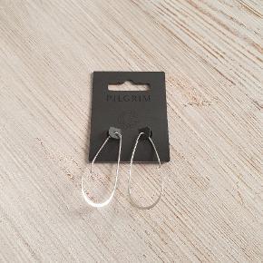 Så fine øreringe fra Pilgrim 🙂, bruger gerne Mobilepay