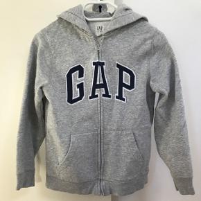 Grå GAP hættetrøje str 10. Kan også bruges til piger