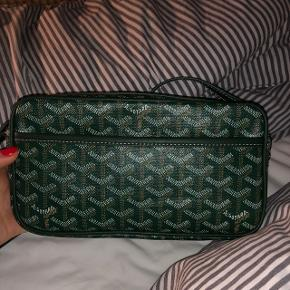 Goyard taske i grøn sælgesAldrig brugt Np 9.500kr Mp BYD  Købt i Paris