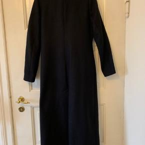 Hallhuber coat: 75% wool, 25% polyamide