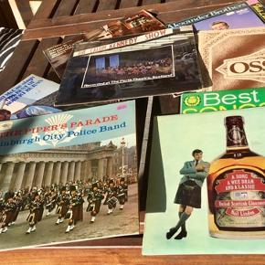Vinyl lp pladesamling 21 grammofonplader til pladespiller med skotsk musik. Marchmusik country folk og rock alle i fin stand vinylplader LPer  country musik