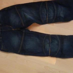 Varetype: cowboybukserStørrelse: W 30 L 32 Farve: Blå Oprindelig købspris: 700 kr.  fede bukser med mange detaljer.  Aldrig brugt! Giv et bud, og se også mine andre annoncer.......