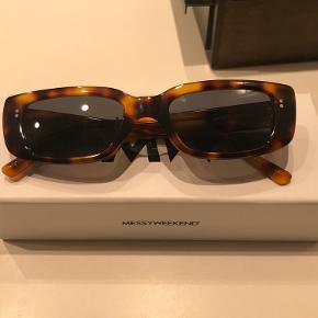 MessyWeekend solbriller