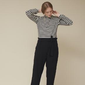 Basic Apparel bukser
