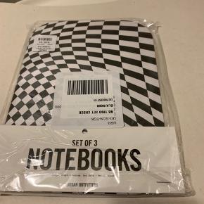 3 pack sort/hvid mønstret note book set fra UO (Har 2 nye pakker - evt to for 110 plus TS gebyr og Porto)