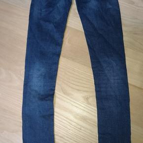 Skinny jeans fra Garcia JeansNæsten som ny, brugt få gange Np =? Mp = 100kr