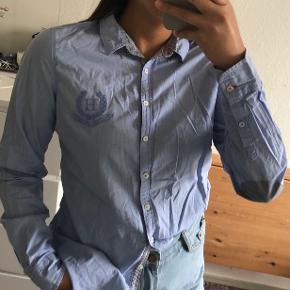 Tommy Hilfiger Skjorte i lyseblå - Str. S