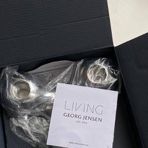 Sælger denne helt nye Georg Jensen Arne Jacobsen lysestage. Aldrig brugt - æske og indpakning medfølger