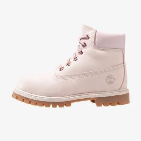 Smukke lyserøde Timberlake støvler. De er desværre en anelse for små til mig og er derfor kun brugt 4-5 gange i få timer.