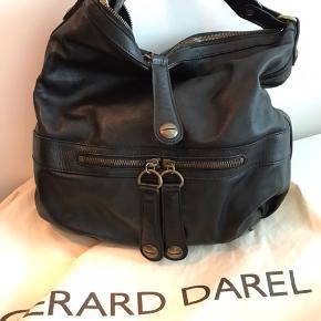 Super dejlig taske. Den populære 'Øretaske'.  Få mærker efter brug.  Kom med et fair bud. Mp omkring 2000