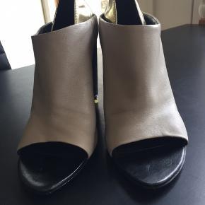 Lækre Alexandre Wang sko, har brugt dem ca.5 gange.