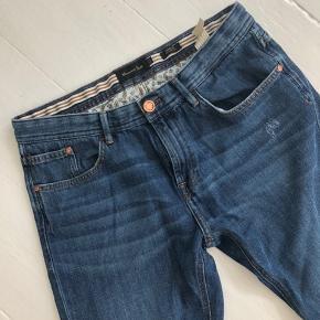 Lækre Massimo Dutti jeans str. 40