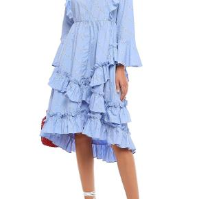 Faulkner Ruffle-trimmed Floral-print Cotton Dress In Light Blue fra Ganni. Brugt en enkelt gang til et bryllup.