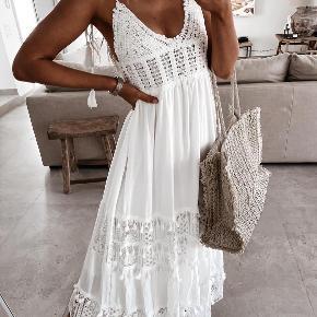 Azaka kjole