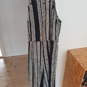 Atmosphere anden kjole & nederdel