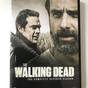 The walking dead, hele sæson 7. Indeholder 6 dvd'er med danske undertekster. Set en gang så i god stand