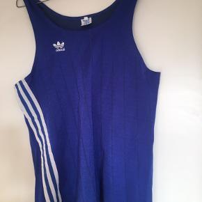 Super fed lidt Loos fit Adidas retro top str s/m