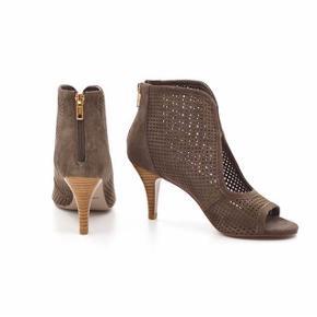 Sofie Schnoor peep toe sandal Farve: muldvarp Hælhøjde: 7,5 cm Brugt 1 gang