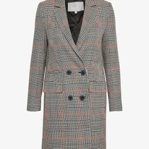 Sælger Inwear ternet jakke for min datter. Brugt 1 gang  Str. 40. Byd gerne  Se også mine andre annoncer
