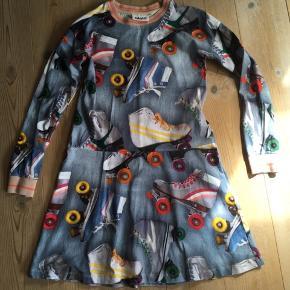 Flot kjole som er brugt max 3 gange så er som ny.
