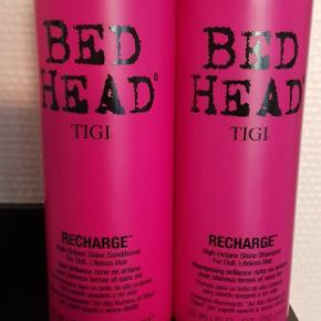Tigi bed head Recharge shampoo OG balsam. 750 ml pr flaske. 500 ml tilbage pr flaske