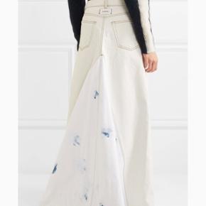 Ganni runway maxi skirt. SS18 speciel Denim collection. Stor i str - er man str 36, kan man godt passe nedelen.