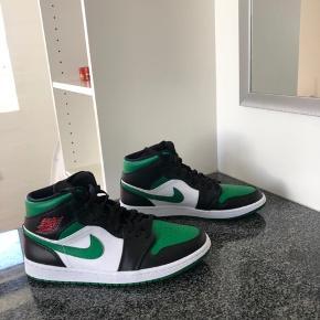 Sælger mine Nike Air Jordans De er helt nye. (Kun prøvet på indenfor) Prisen er nogenlunde fast