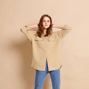 Envii skjorte, aldrig brugt, str. M, nypris 450kr. Bytter ikke og sender kun på købers regning 😊
