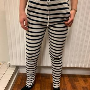 Behagelige bukser fra MOSS COPENHAGEN💗